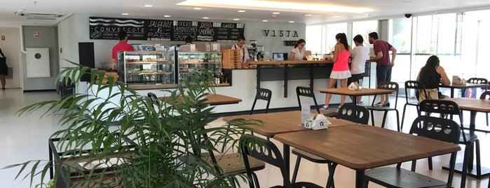 Vista Café is one of Tempat yang Disukai Fabio.
