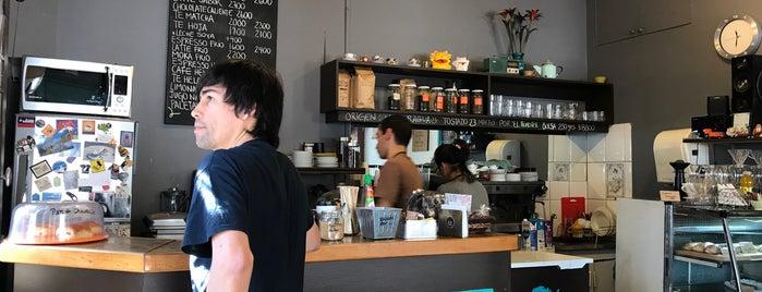 Sur Café is one of Orte, die Fabio gefallen.