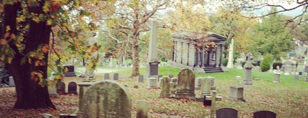The Green-Wood Cemetery is one of Dead Famous People ☠.