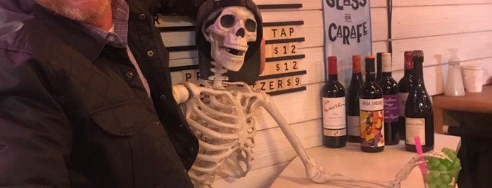 Brooklyn Wine Cellar is one of Orte, die Nick gefallen.