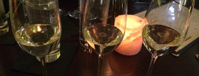 Enolo Wine Cafe is one of Lugares favoritos de Brooke.