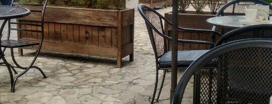 San fer's coffee is one of Orte, die Valeria gefallen.
