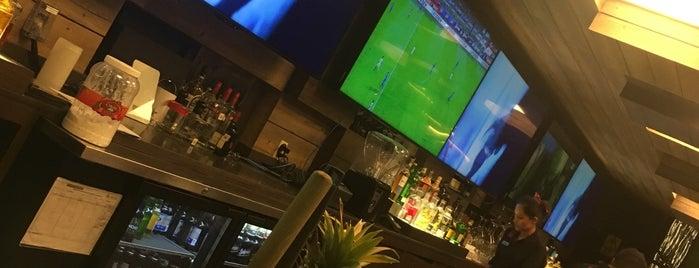 Alboa Lounge & Lanes Club is one of Lugares favoritos de rafael.