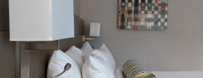 AC Hotel by Marriott Asheville Downtown is one of Posti che sono piaciuti a Anthony.