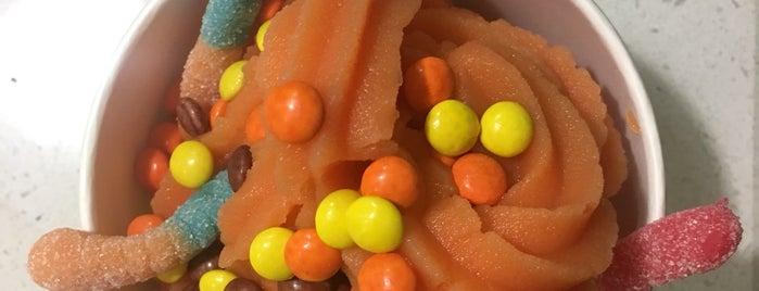 FruttiBerri is one of สถานที่ที่ A ถูกใจ.