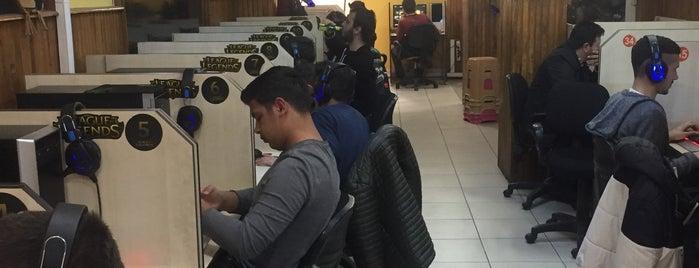 Zion internet Cafe is one of Onur : понравившиеся места.