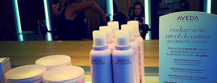 Aveda Lifestyle Salon & Spa is one of Orte, die Alejandra gefallen.