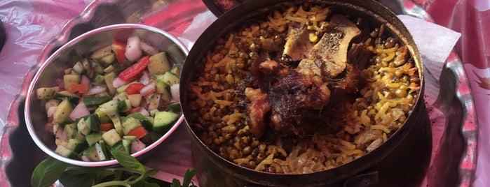 Yalda Restaurant | باغ رستوران یلدا is one of Lieux qui ont plu à Nora.