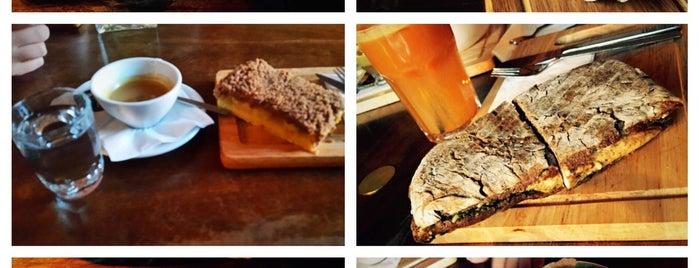 Sam Café | کافه سام is one of Lieux qui ont plu à Nora.