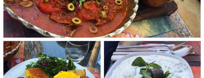 Arc a Café & Restaurant | کافه رستوران آرک is one of Lieux qui ont plu à Nora.