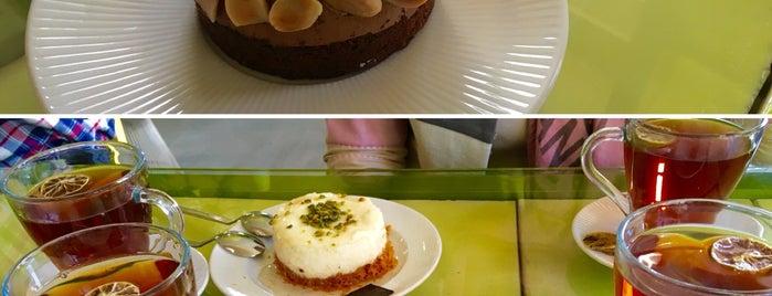 Kubaba Restaurant & Café | رستوران و کافه کوبابا is one of Lieux qui ont plu à Nora.