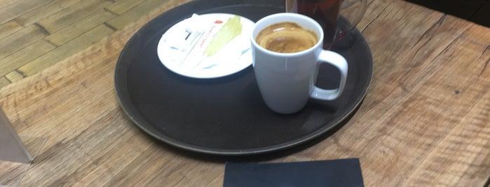 Lamiz Coffee is one of Lieux qui ont plu à Nora.