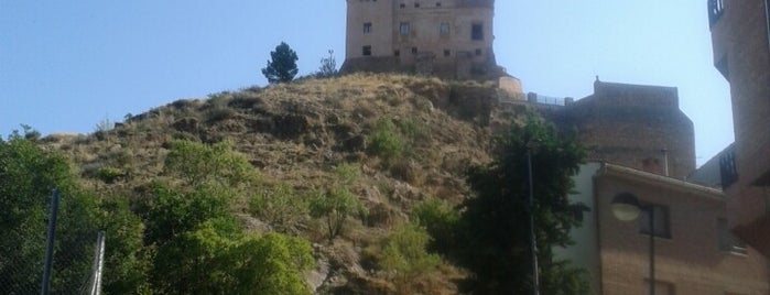Castillo del Papa luna is one of Medievales.