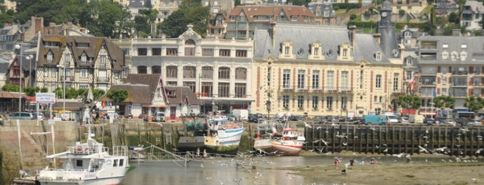 Trouville-sur-Mer is one of Jas' favorite urban sites.