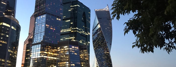 Крыша мастерской Петра Фоменко is one of Moscow.