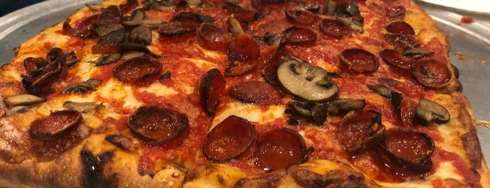 Marinara Pizza is one of Manhattan To-Do's (Above 34th Street).