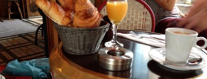 Le Café Blanc is one of Benedek'in Kaydettiği Mekanlar.