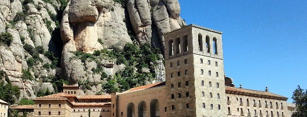 Monasterio de Montserrat is one of Places castelleres de nou.