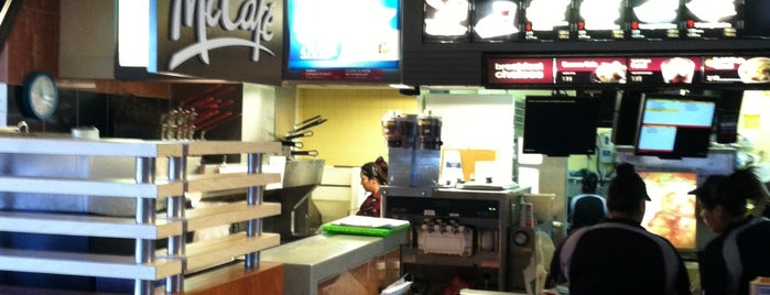 McDonald's is one of สถานที่ที่ Stacy ถูกใจ.