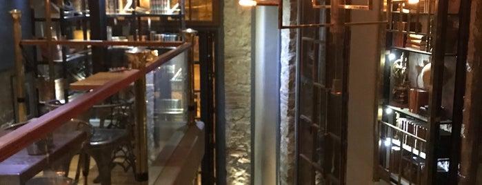Hb Bronze Coffeebar is one of M : понравившиеся места.