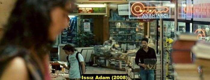Aslıhan Pasajı Sahaflar Çarşısı is one of Türk Filmlerinin Çekildiği Mekanlar.