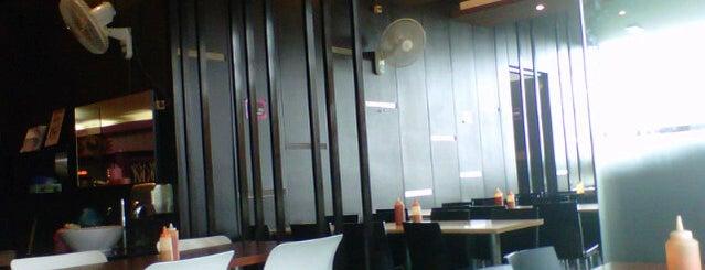 Solaria DP mall is one of Nongkrong di semarang.