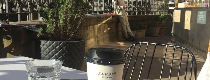 Jardin St James is one of Lieux qui ont plu à Matt.