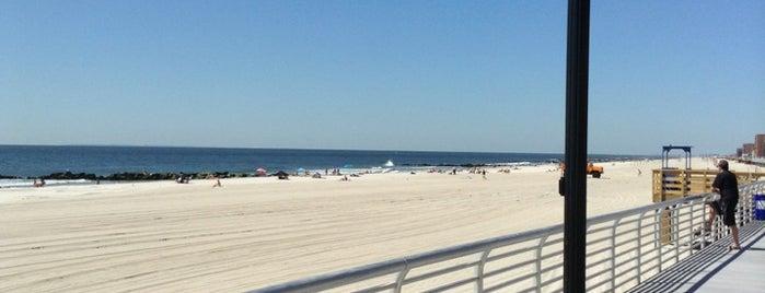 Long Beach Boardwalk - National Blvd is one of Orte, die Nick gefallen.