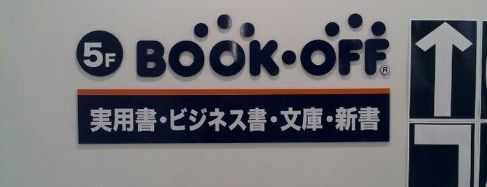 BOOKOFF 新宿駅西口店 is one of Posti che sono piaciuti a Dalileo.