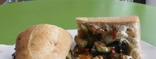 Sauce and Bread Kitchen is one of Posti che sono piaciuti a Alisson.