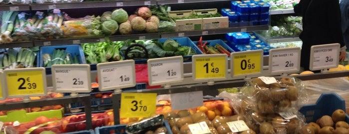 Carrefour Market is one of สถานที่ที่ Mallika ถูกใจ.