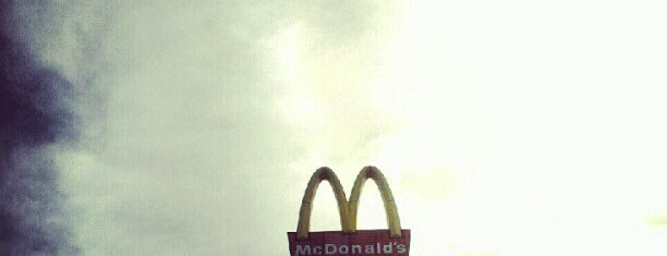 McDonald's is one of Lugares favoritos de Manolo.