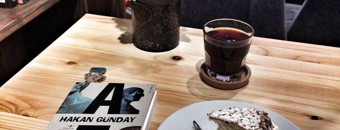 Pol Coffee Studio is one of Posti salvati di Esra.
