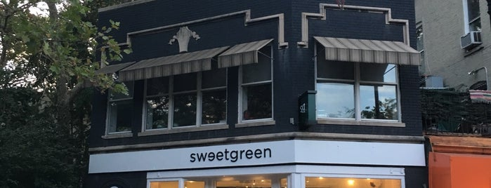 sweetgreen is one of Orte, die Jessica gefallen.