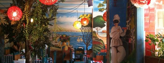 Bella Napoli Ristorante Pizzeria is one of Tempat yang Disimpan Georban.