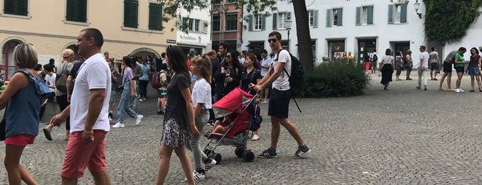 Zwingliplatz is one of Carl : понравившиеся места.