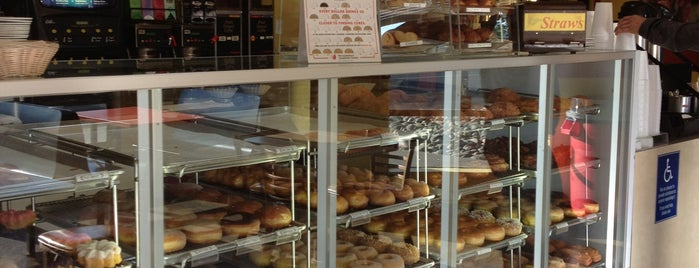 Danish & Donut is one of Josh : понравившиеся места.