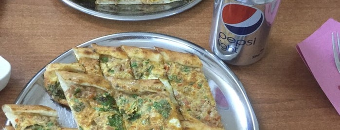 Kuyum Pide Salonu is one of İZMİR EATING AND DRINKING GUIDE.