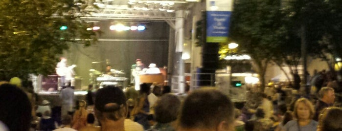 Rochester International Jazz Fest - East & Alexander Stage is one of Kristinさんの保存済みスポット.