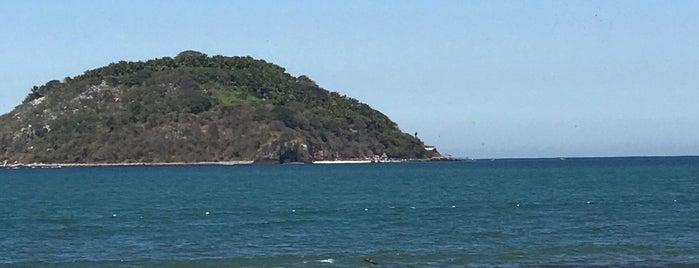 Punta de Mita is one of Pyrgos 님이 좋아한 장소.