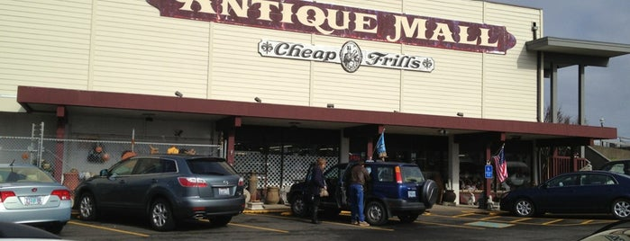 Antique Mall & Cheap Frills is one of COASTAL ROAD TRIPS!.