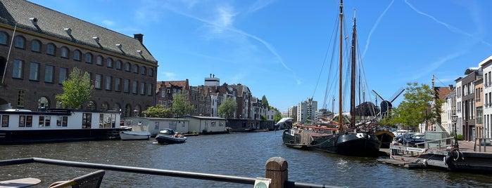 Grand café Vlot is one of Leiden.