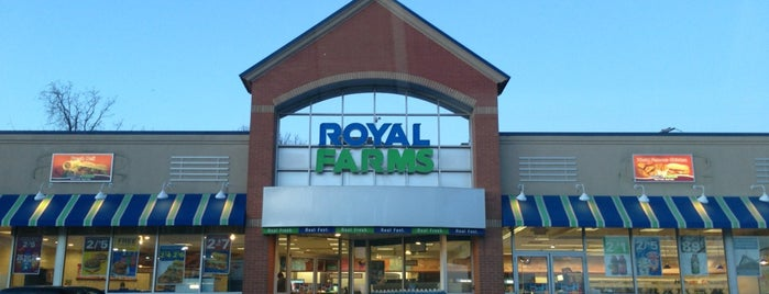 Royal Farms is one of Jonathanさんのお気に入りスポット.