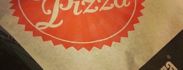 Trio Pizza is one of Orte, die Adam gefallen.