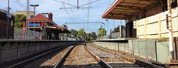 Yarraville Station is one of Locais curtidos por James.