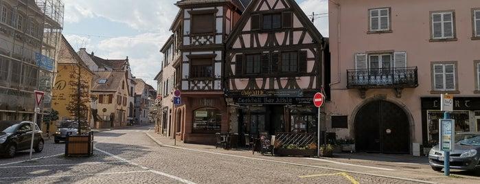 Place de l'Etoile is one of (Temp) Best of Alsace.