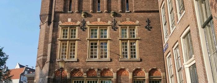 Het Wapen van Riga (Leeuwenburgh Huis) is one of Best of Amsterdam.