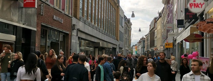 Grote Straat is one of Que faire le dimanche à Bruxelles ?.