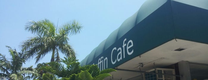 Tin Muffin Cafe is one of Boca Lunch.