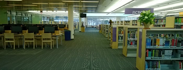 Gaithersburg Regional Library is one of Kathy : понравившиеся места.
